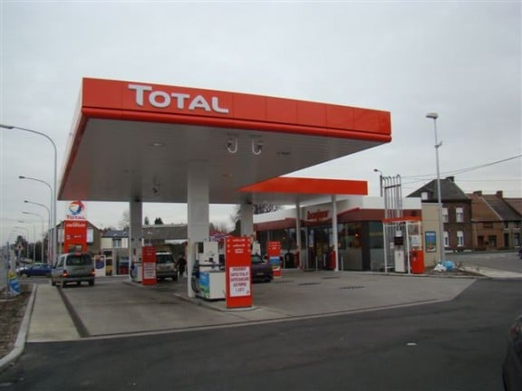 une station carburant total