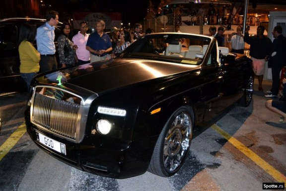 la Rolls Royce Phantom Drop Head Coupe 2008 plate good vue a monaco