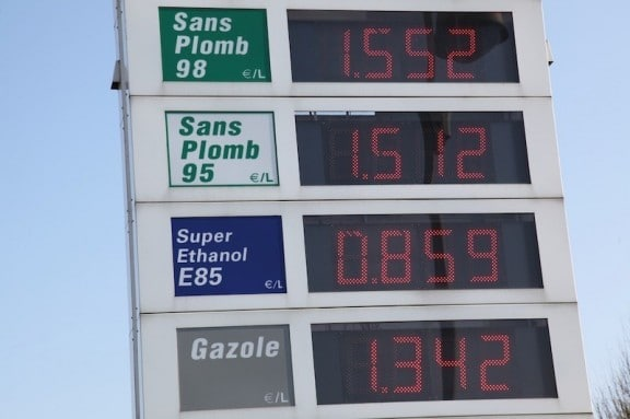 les tarifs des differents carburants a la pompe