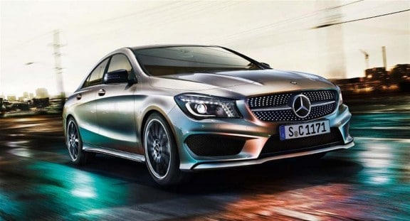 la mercedes cla 2013 en train de rouler
