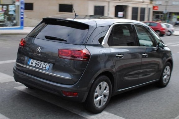 Citroen-C4-Picasso-photo-espion