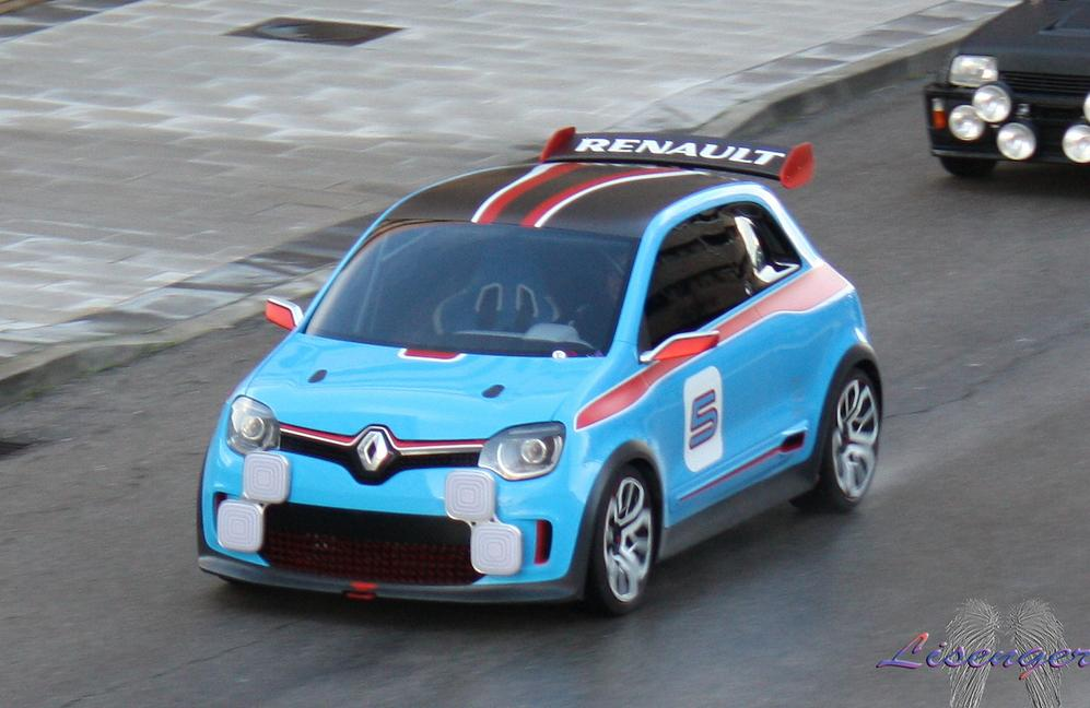 renault super five spyshot