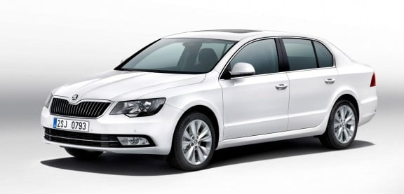 la superb 2013 en vue 3/4 avant