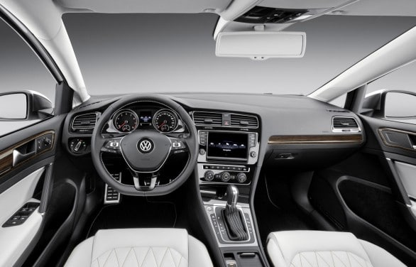 Volkswagen-New-Midsize-Coupe-interieur