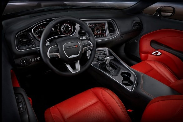 Dodge-Challenger-2014 interieur