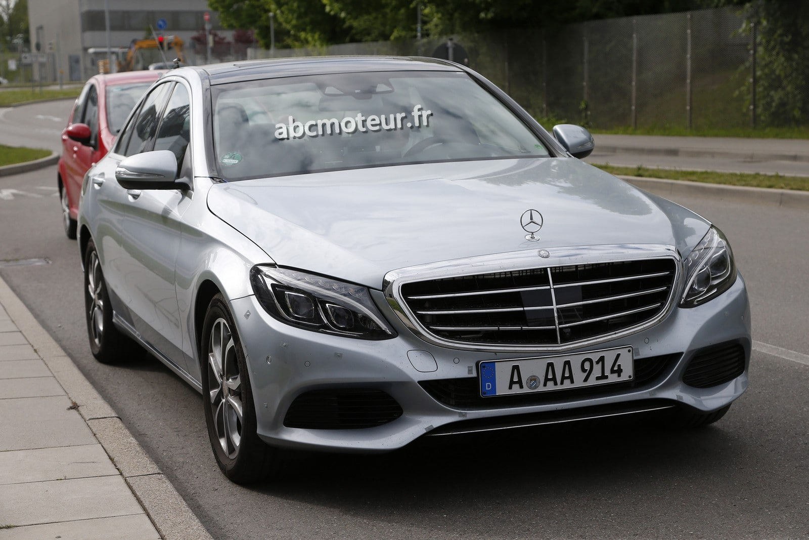 La Mercedes Classe C plug-in hybrid surprise en test