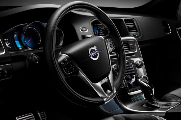 interieur-V60-Plug-in-Hybrid-R-Design