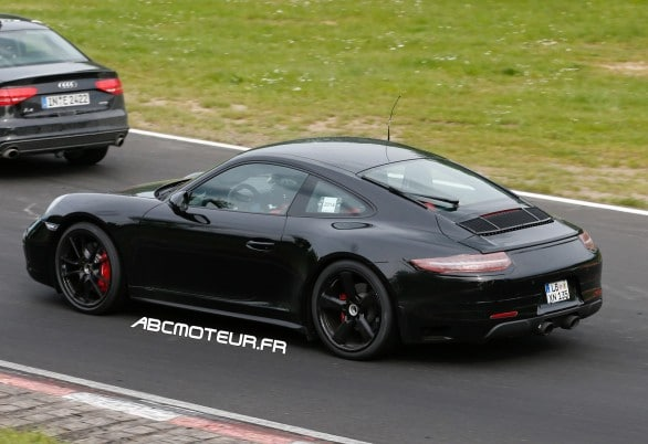 photo volee Porsche 911 GTS Coupe