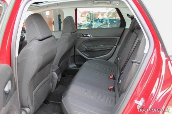 places arriere Peugeot 308 SW