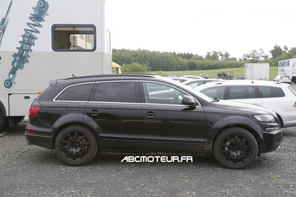 vue profil mule SUV Bentley