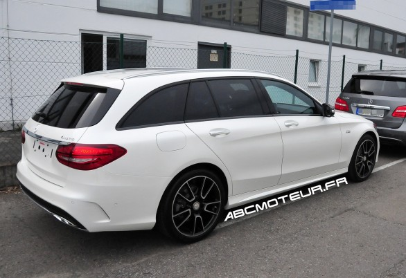 spyshot Mercedes C 450 Break Sport AMG