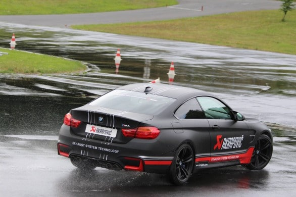 BMW M4 Akrapovic drift
