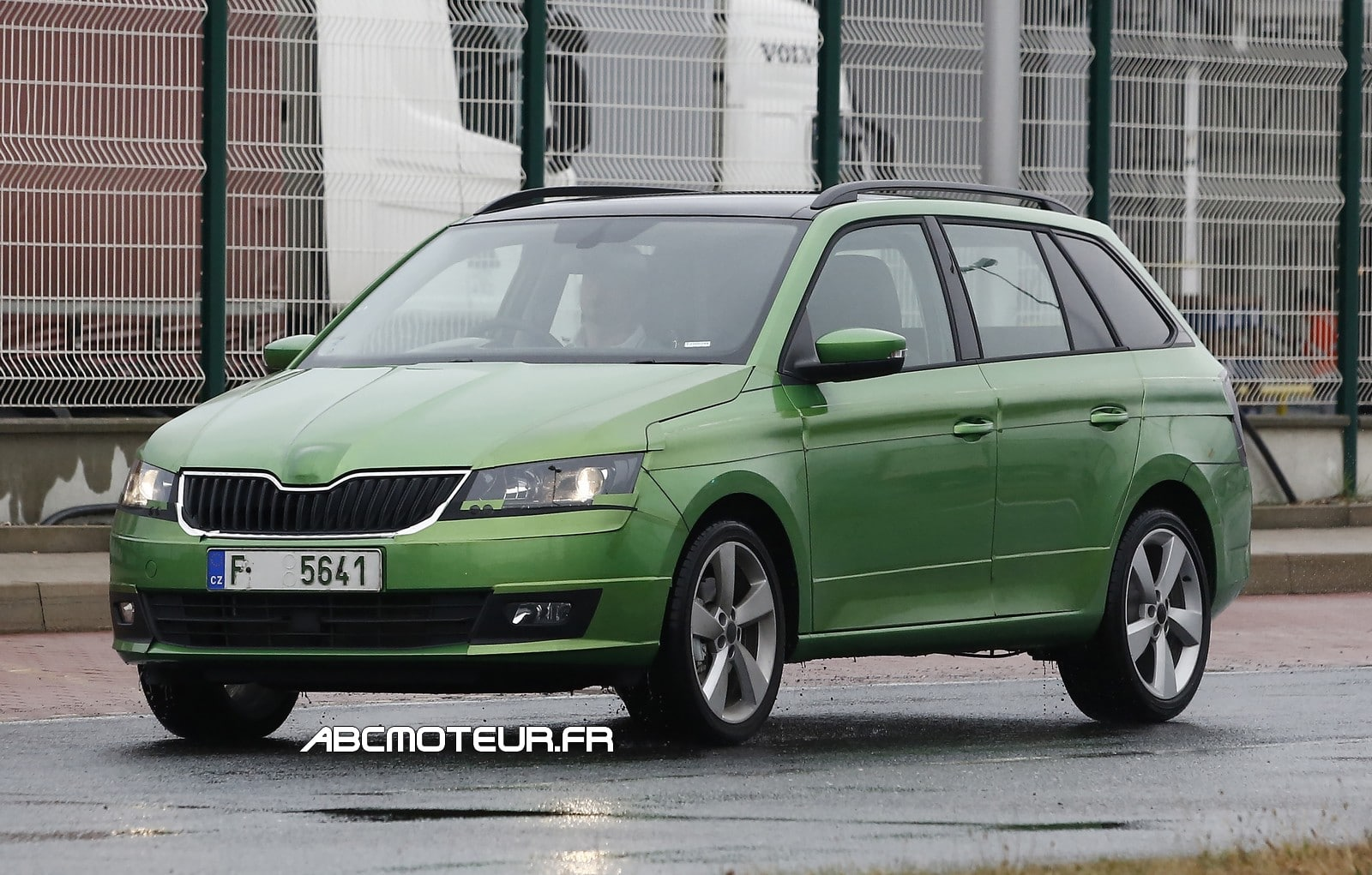 La future Skoda Fabia 3 break surprise en test