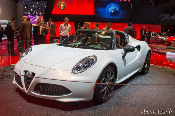Alfa Romeo 4C Spider Paris 2014