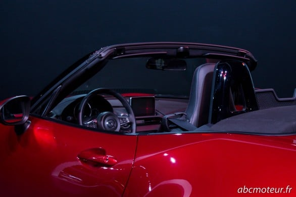 interieur Mazda MX-5 Paris 2014