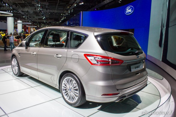 vue 3-4 ar Ford S-Max 2015 Paris 2014
