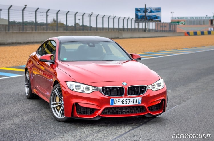 BMW M4 Coupe Sakhir Orange