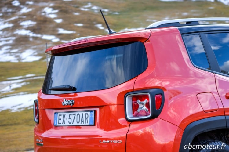 lunette arriere Jeep Renegade