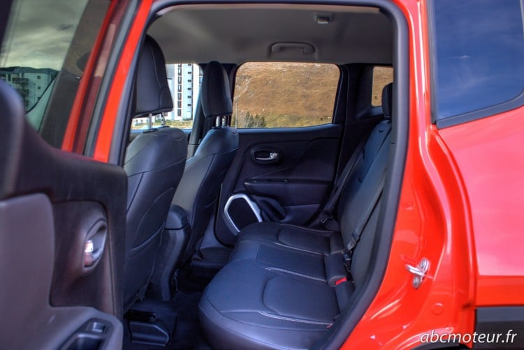 places arriere Jeep Renegade