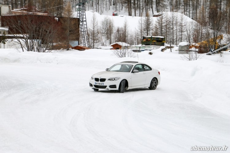 BMW Serie 2 Coupe M235i xDrive circuit sur glace-1