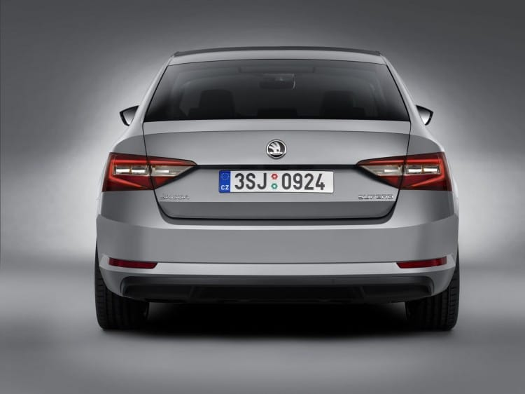 Nouvelle Skoda Superb 2015 - 2