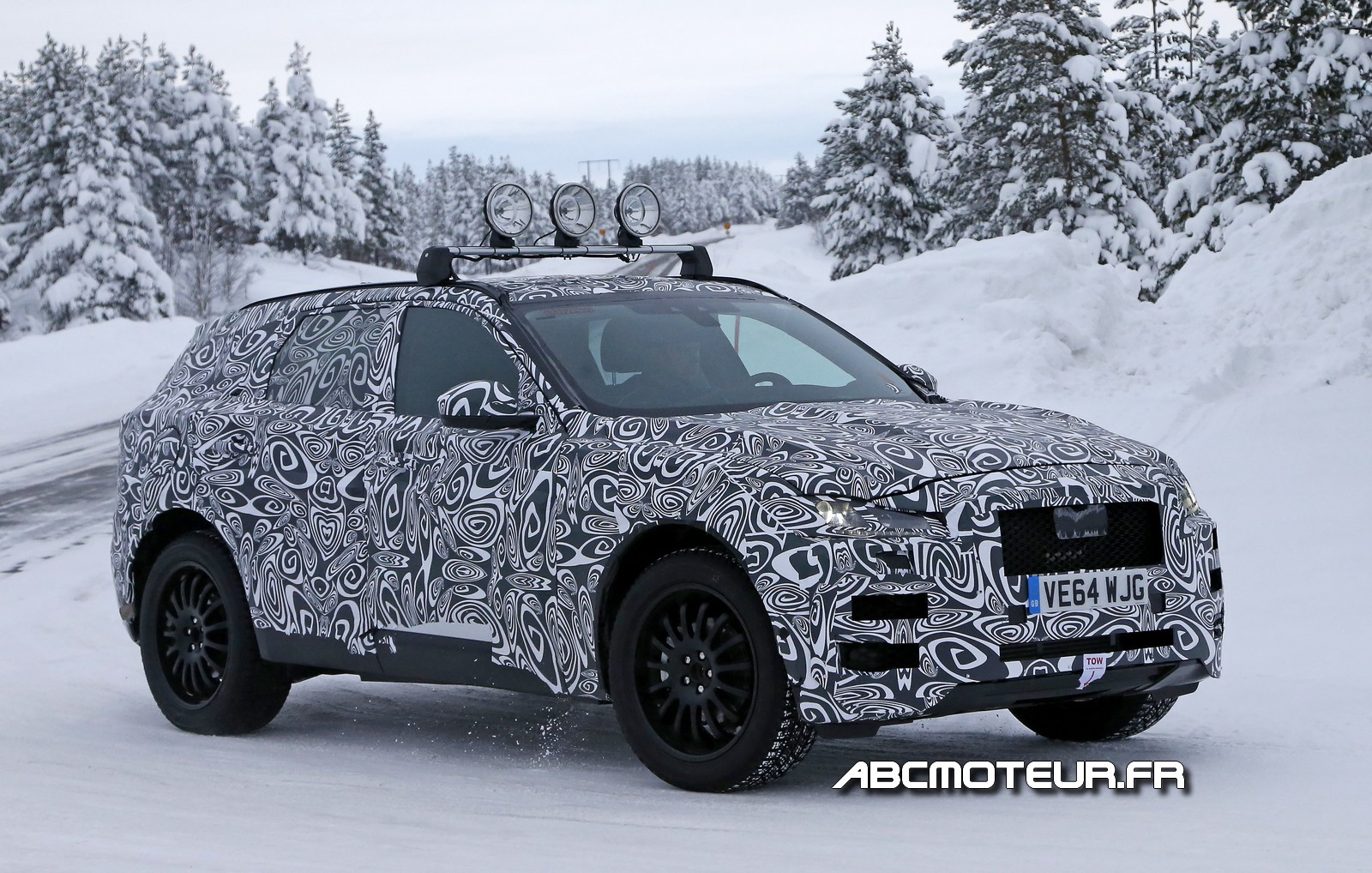 Spy-shots : les 1ères photos du SUV Jaguar F-Pace !