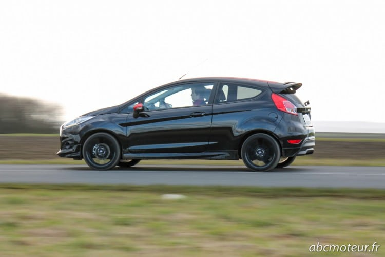 action Ford Fiesta Black Edition