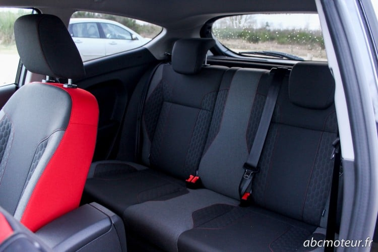 places arriere Ford Fiesta Black Edition