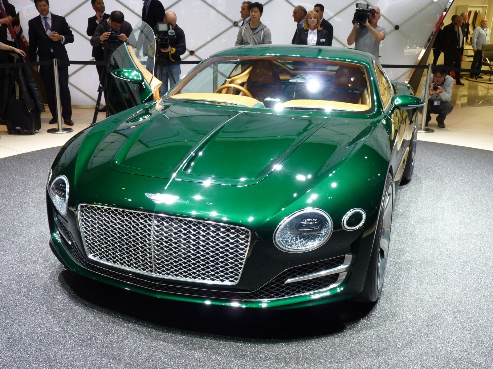 Bentley EXP-10 Speed 6 : belle surprise