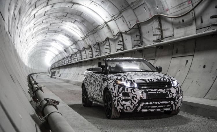 Pour finir, les photos officielles de Land Rover