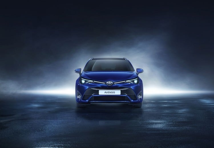 Toyota Avensis Restylage 2015 - 9