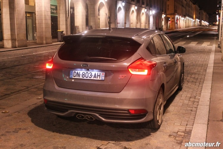 arriere ford focus st nuit