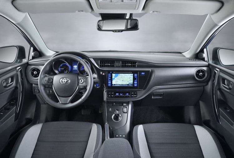 interieur Toyota-Auris-2015