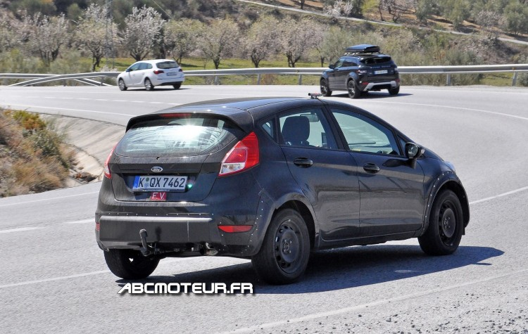 photo espion Ford Fiesta RS