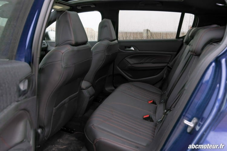places arriere Peugeot 308 GT
