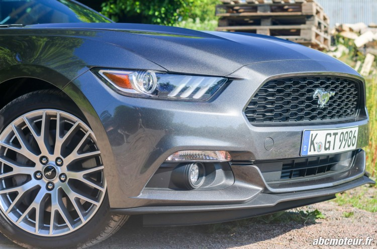 Ford Mustang Convertible EcoBoost exterieur