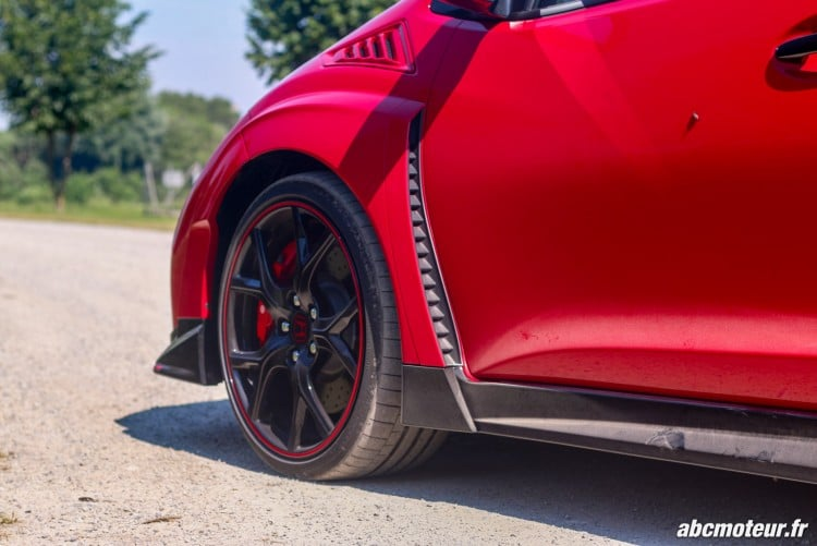 ouie laterale Honda Civic Type R FK2