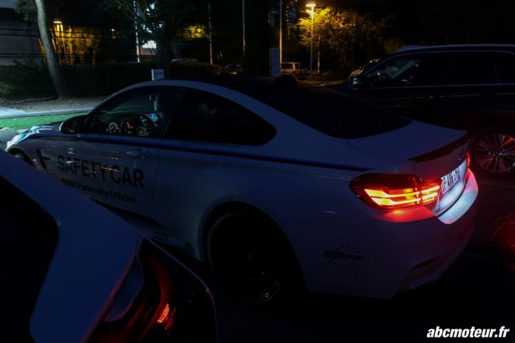 BMW M4 Safety Car feux nuit