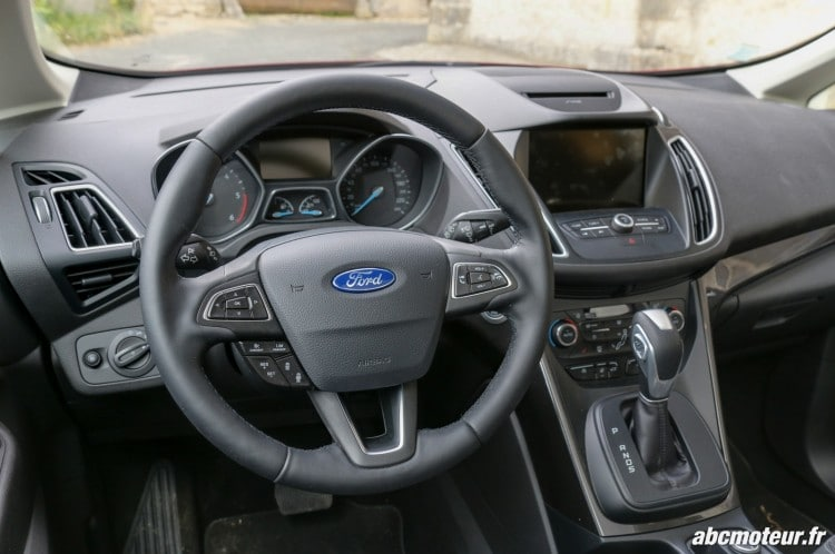 Ford C-Max II restyle poste conduite