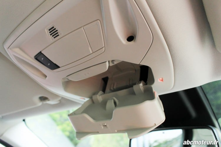 Ford C-Max II restyle rangement plafonnier