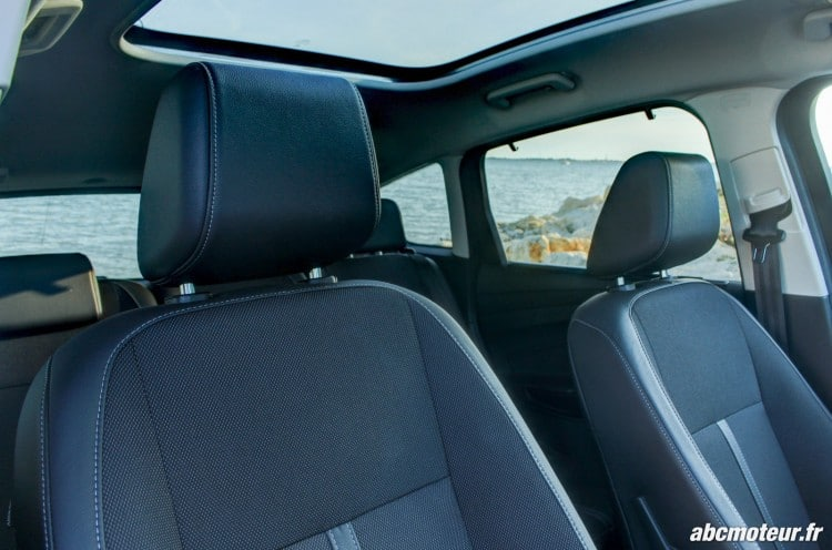 Ford C-Max II restyle sieges avant
