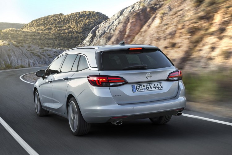 Opel-Astra-Sports-Tourer-297397