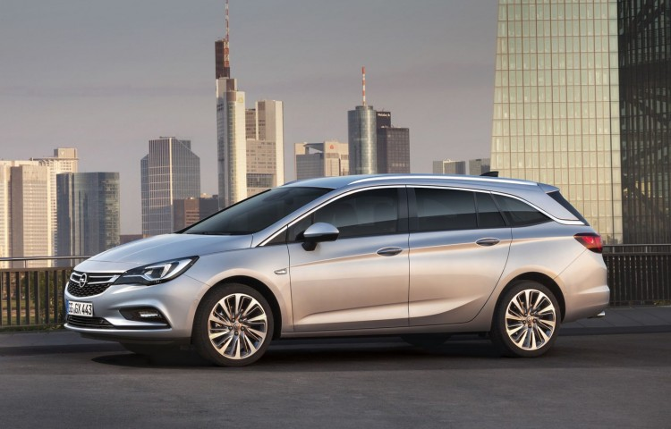 Opel-Astra-V-Sports-Tourer-profil-2