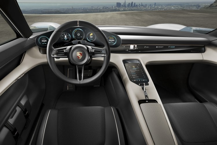 Porsche Mission E interieur