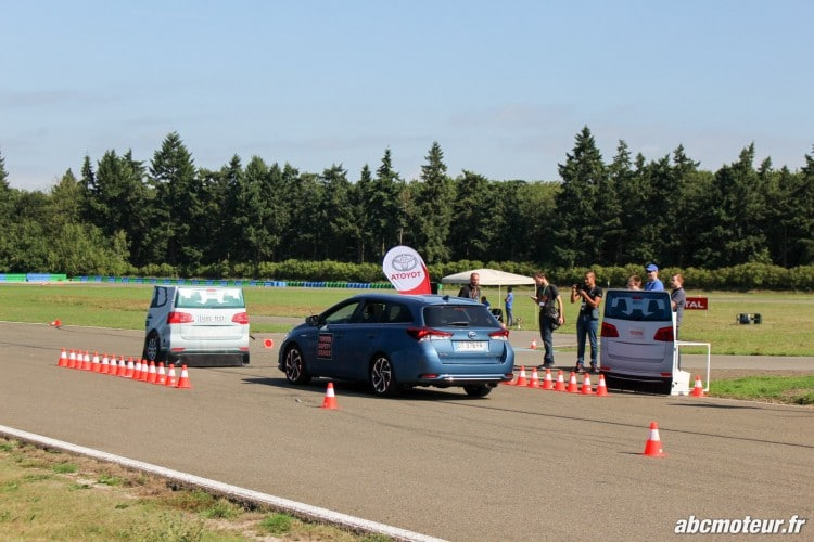 Auris Touring Sports Toyota Innove circuits Ouest Parisien-4