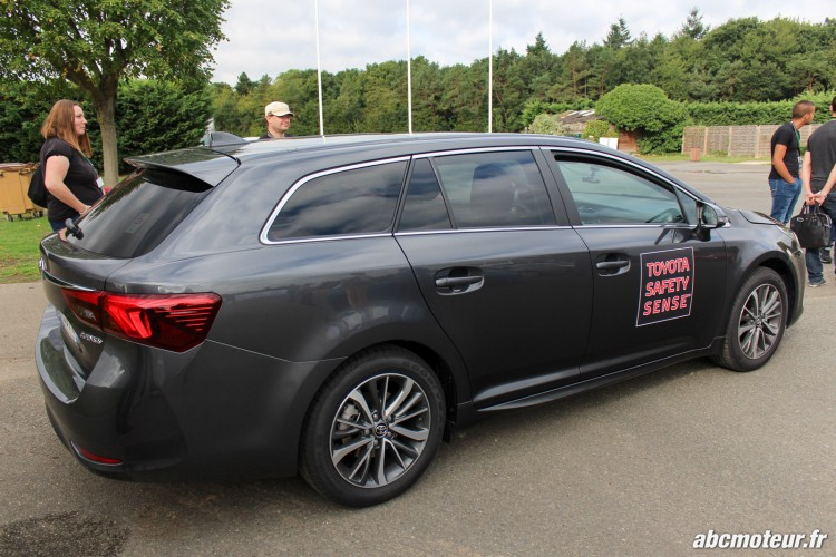 Avensis Sports Tourer Toyota Innove circuits Ouest Parisien