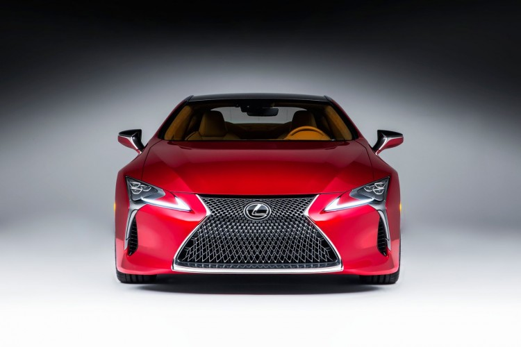 lexus l ve le voile sur une lc 500 couper le souffle. Black Bedroom Furniture Sets. Home Design Ideas