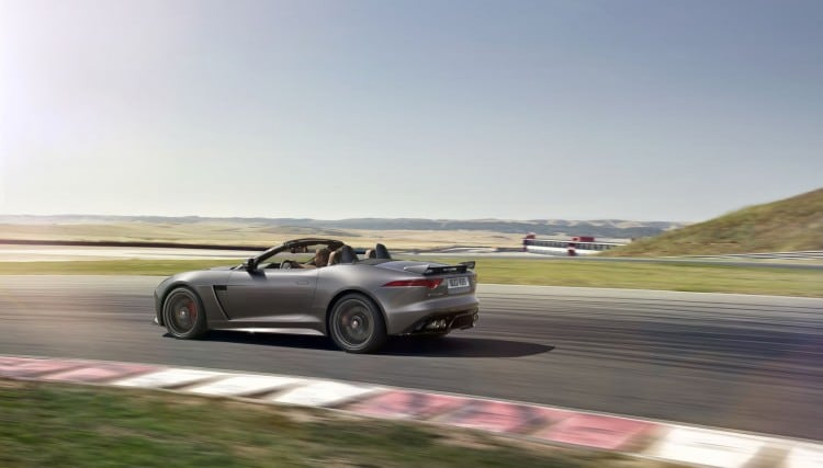 Jaguar F-Type SVR - 11
