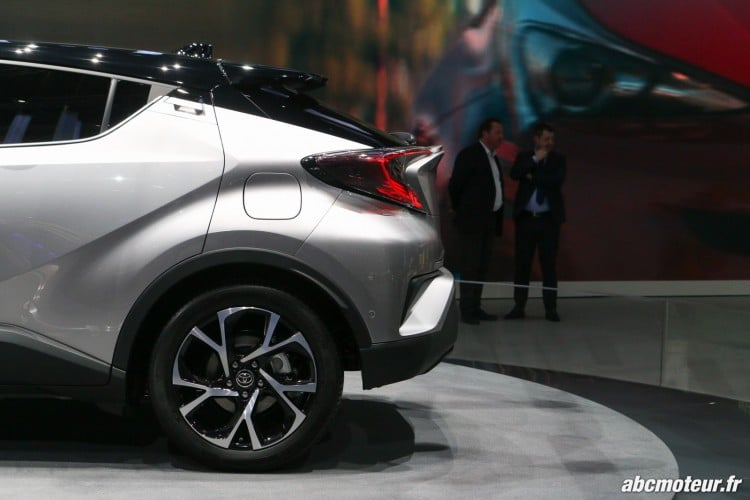Toyota C-HR arriere Geneve 2016