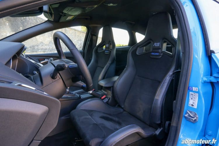 Ford Focus RS 3 sieges baquets Recaro